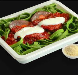 Fetuccini Espinaca con Mechada
