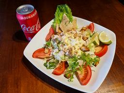 Ensalada César + Bebida 350ml