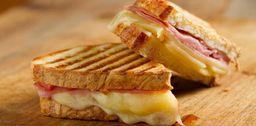 Sándwich Jamón Queso