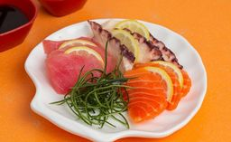 Sashimi mixto (9 cortes)