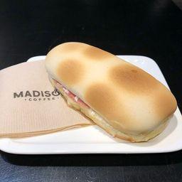Pannini Jamón queso Orégano