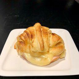 Jamón Queso en Croissant