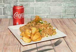 Combo Chaufa de pollo, papas fritas y bebida