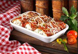 Canelloni en salsa boloñesa