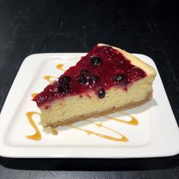 Cheesecake con Salsa de Berries