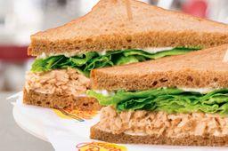 Tuna Salad Sándwich