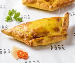 Empanada ají de gallina (GRANDE)
