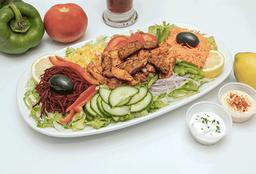Ensalada kebab pollo falafel