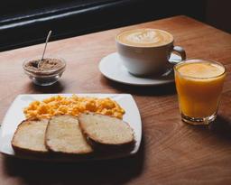 Desayuno Tostadas Huevos