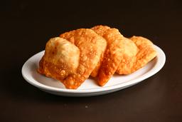 2 Empanadas Fritas de Vegetales y Queso