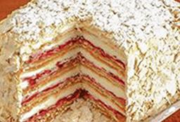 Torta Milhojas frambuesa, manjar y crema