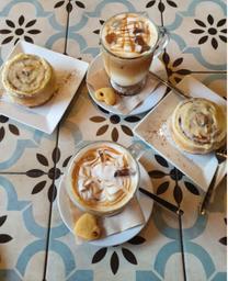 2 Café Caramel Fríos y 2 Cinnamon Rolls