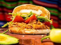 Sandwich pulled pork chacarero
