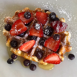 Waffle con berries