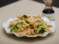1/2 Chapsui de pollo + Arroz Chaufan