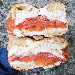 LOX Bagel Sándwich