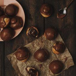 Profiteroles Bañados en Chocolate