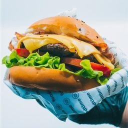 Bacon Cheddar Burger (Simple)