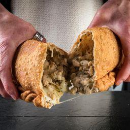 Empanada Queso Pollo