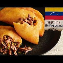 Empanada Carne Mechada