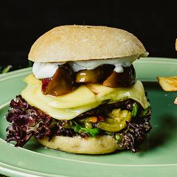 Hamburguesa vegana + papas rústicas