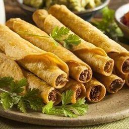 Flautas de Carne Mechada