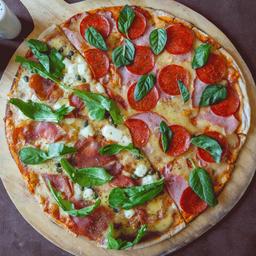 Pizza Ruskaya mitad Il Padrino