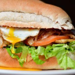 Sándwich de Milanesa Limeño