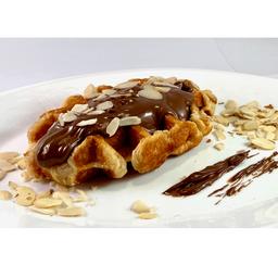 Waffles Con Nutella & Almendras