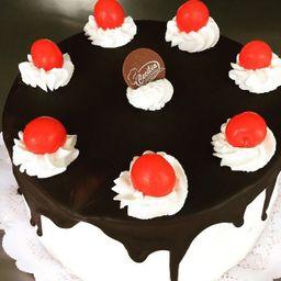 Torta Selva Negra Frutilla 20 Porciones