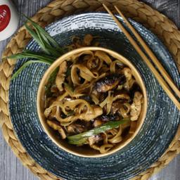 Pan nam man hoi - pollo, arroz y champiñ