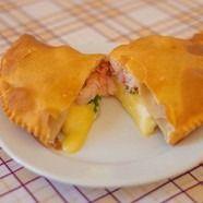Empanada Camarón Queso Amarillo Frita