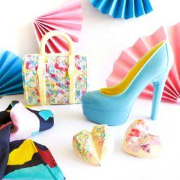Pack: Cartera, Zapato y Dos Corazones de Chocolate + Pañuelo