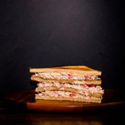 Sándwich Miga Ave Pimentón