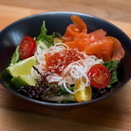 Green Salad & Salmón Sesamo