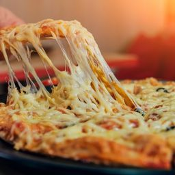 Pizza Del Dia 30c+ Six Pack (corona O Royal)