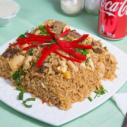 Menú arroz chaufa de pollo y bebida