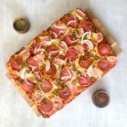 Pizza Massima Salami y Prosciutto
