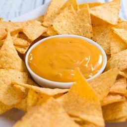 Nachos Salsa Queso Cheddar