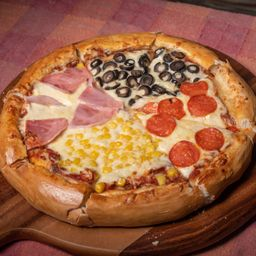 Pizza Familiar 4 Estaciones