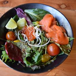 Green Salad & Salmón Ponzu