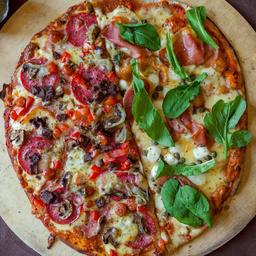 Pizza Insaciables mitad Russkaya