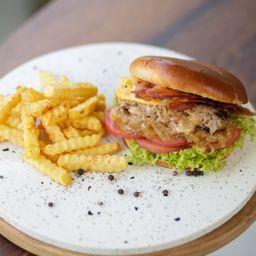 Texas Burger Grill y Papas Fritas.