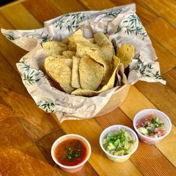 Totopos (nachos)