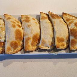 Empanada Casera de Camarón-Queso X 6.