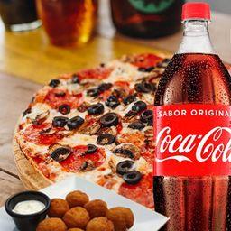 Pizza para 2 con Bebida 1,5l, Bolitas de Queso Crema y Jalapeños