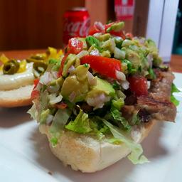 Sándwich de Milanesa Mexicano