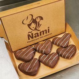 Caja 6 Donuts de Corazón Rellenas de Chocolate