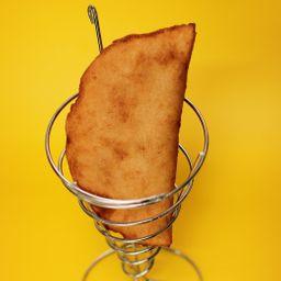 Empanada Frita de Plátano-queso