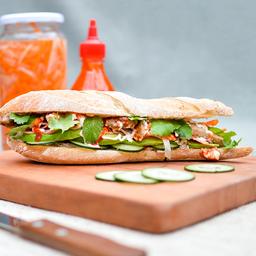 Sándwich Bánh Mì Thịt